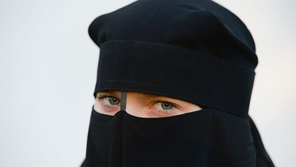 Frau mit Nikab (Symbolbild)