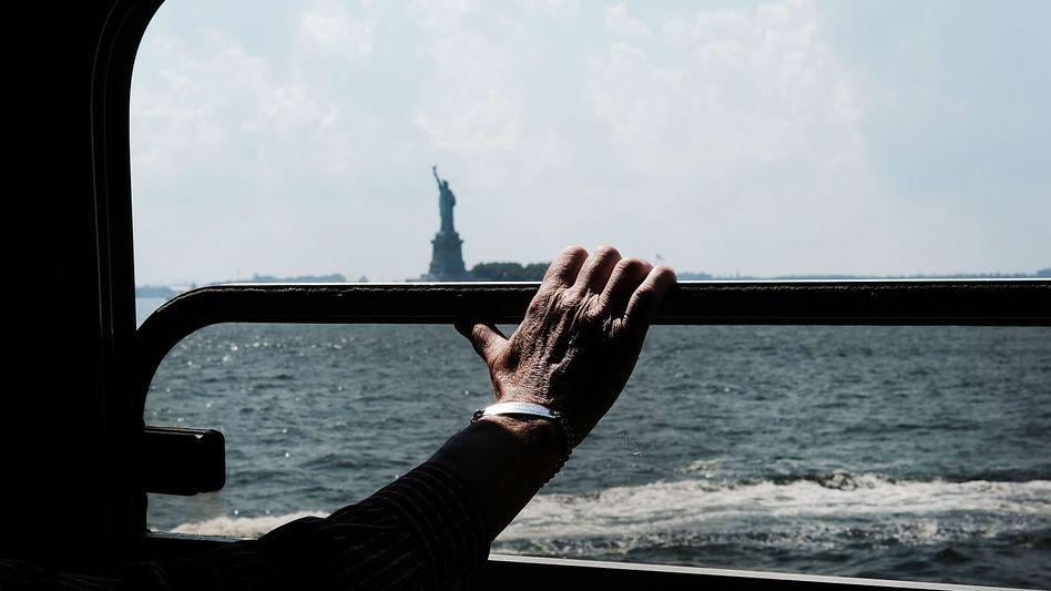 Staten-Island-Fähre, Blick auf die Freiheitsstatue: Immer höher hinaus, immer optimistisch, das ist unser Motto in New York (Symbolbild)