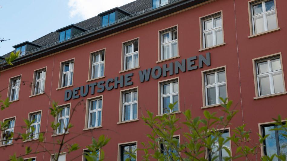 Zentrale der Deutsche Wohnen (Archivbild): Der Konzern verkauft Wohnungen in Berlin