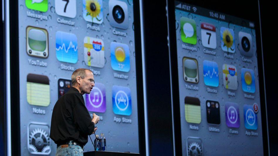 Steve Jobs stellt iPhone 4 vor: Schärfer, schneller, ausdauernder
