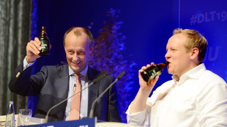 Friedrich Merz (l.) und der JU-Bundesvorsitzende Tilman Kuban Deutschlandtag 2019