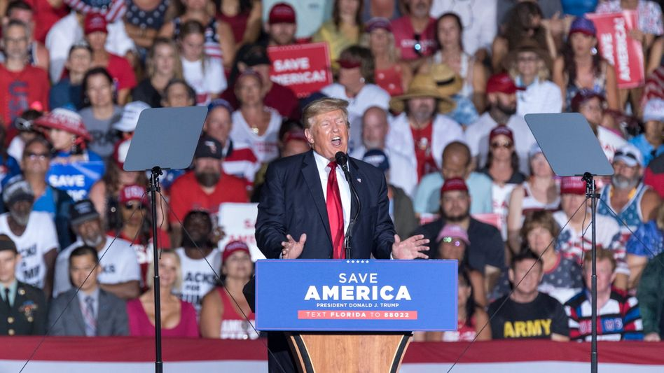 Ex-Präsident Trump bei einer Wahlkampfveranstaltung in Sarasota, Florida