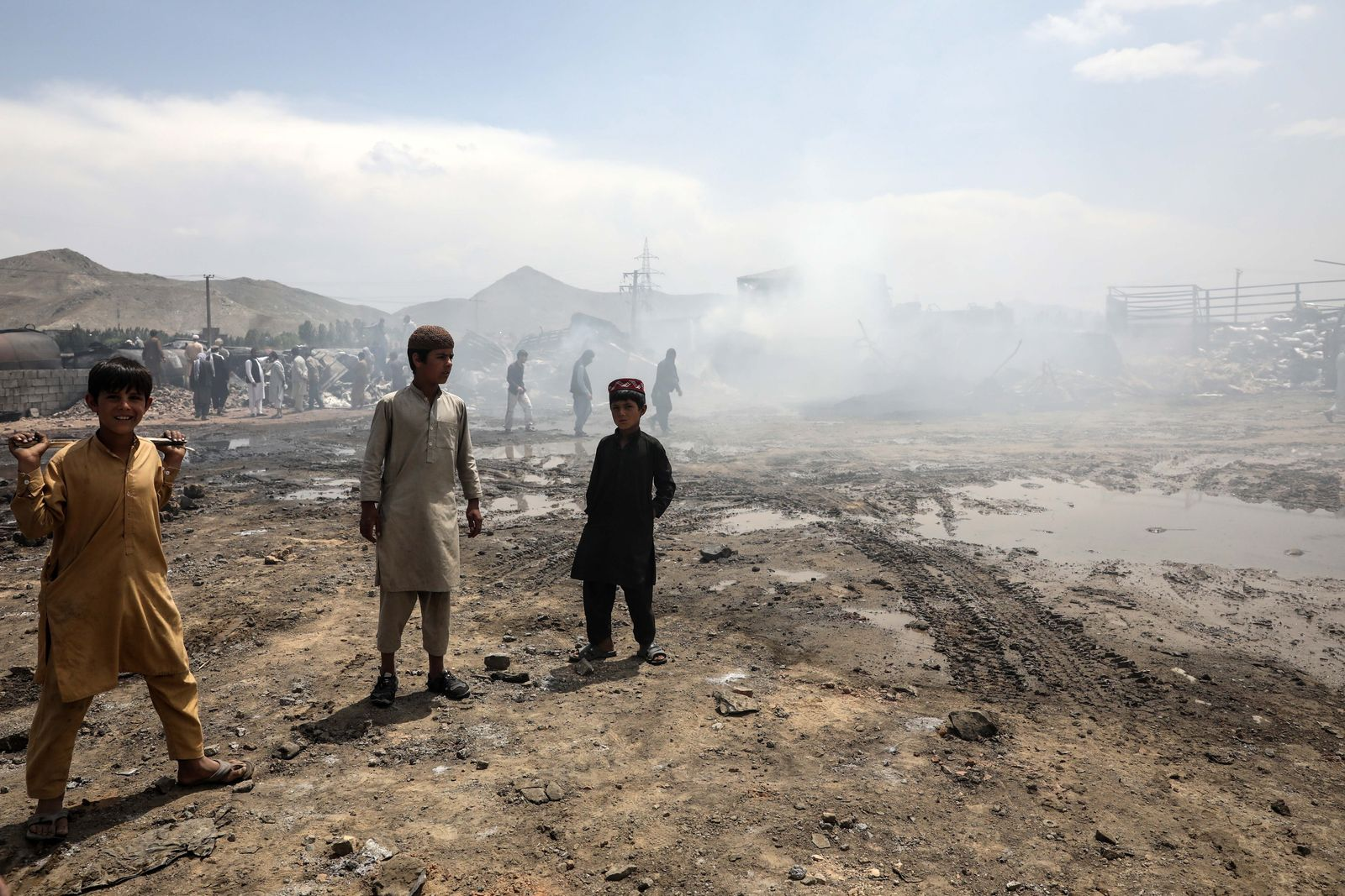 At least seven die in an oil tankers fire in Kabul