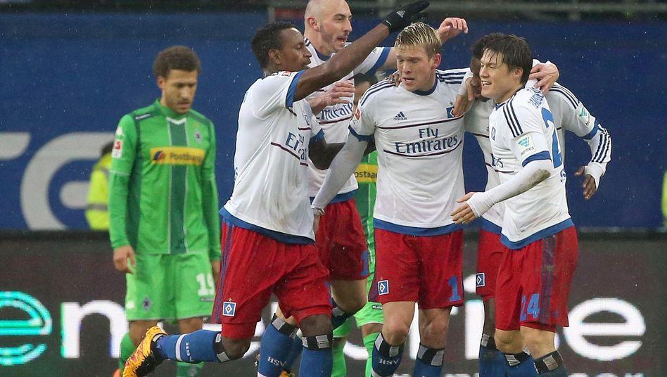 HSV-Stürmer Rudnevs (Mitte): Torschütze zum 2:1
