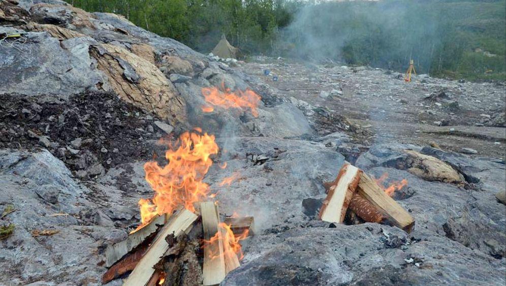 Steinwerkzeuge: Feuer bricht Fels