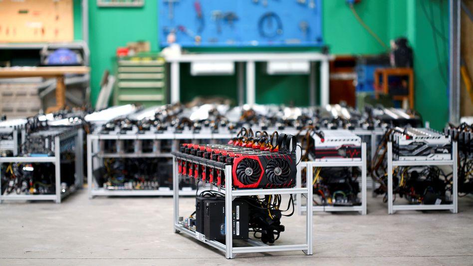 Sogenannte Bitcoin-Farmer setzen spezialisierte Rechner ein, die »Mining Rigs«