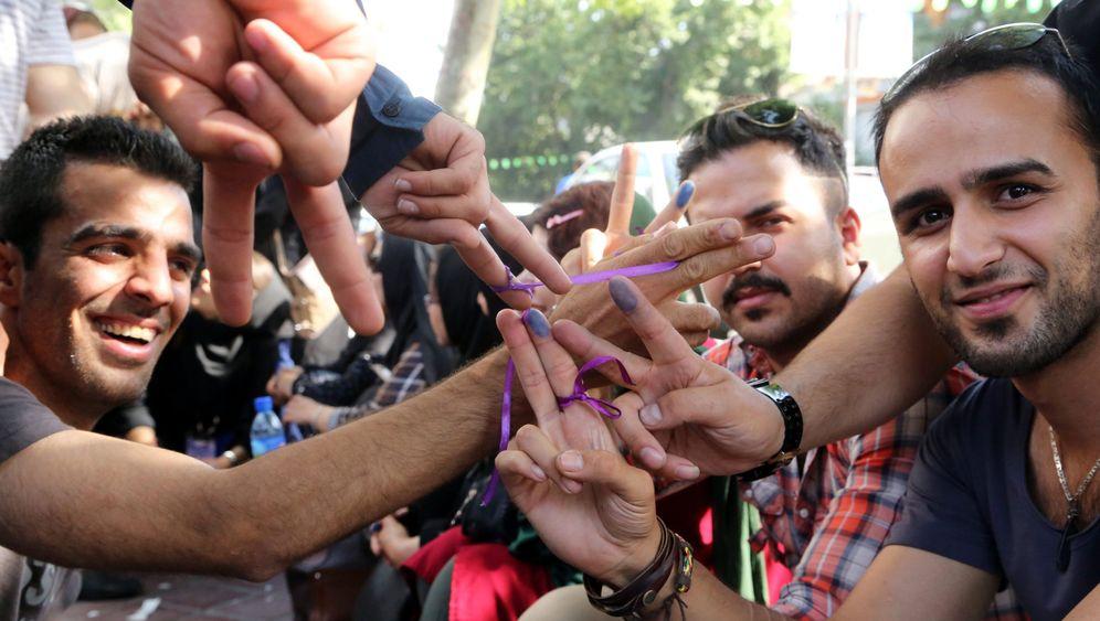 """Studenten in Iran: """"Lieber unglücklich als perspektivlos"""""""