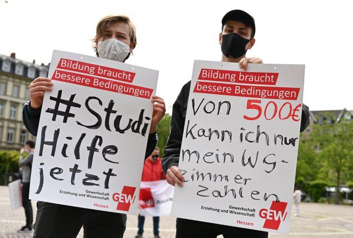 """Studierende kritisieren die geplanten Corona-Hilfen des Bundes: """"Von 500 Euro kann ich nur mein WG-Zimmer zahlen"""""""