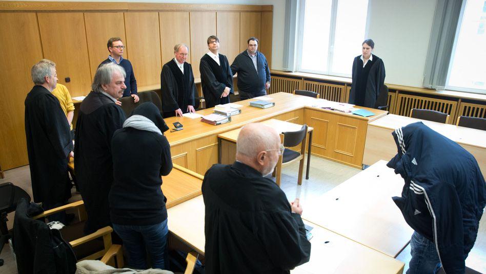 Urteil vor dem Landgericht in Hamburg: Staatsanwalt und Anwalt legen im Fall Chantal Revision ein