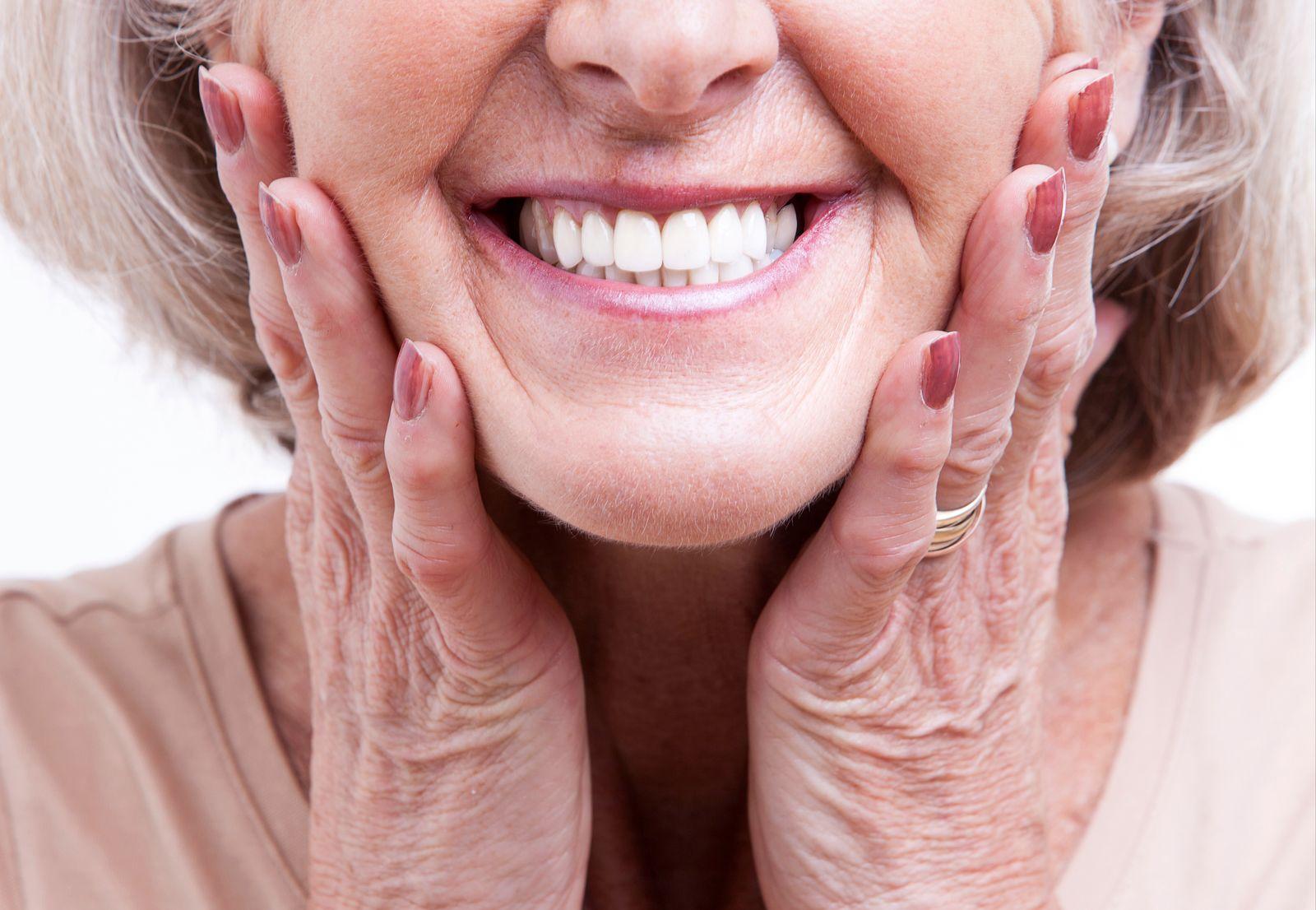NICHT MEHR VERWENDEN! - Private Zahnzusatzversicherung / Symbolbild