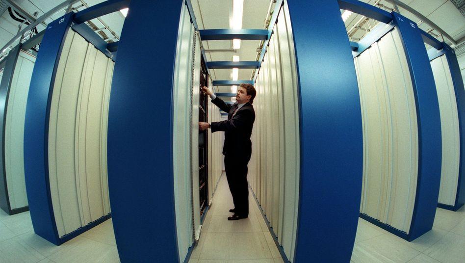 Telekom-Vermittlungsstelle: Verfassungsgericht entscheidet über Vorratsdatenspeicherung