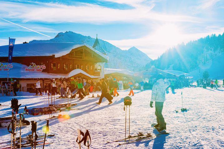 Verdiente Hüttenpause: Der Skitag hat zeitig begonnen