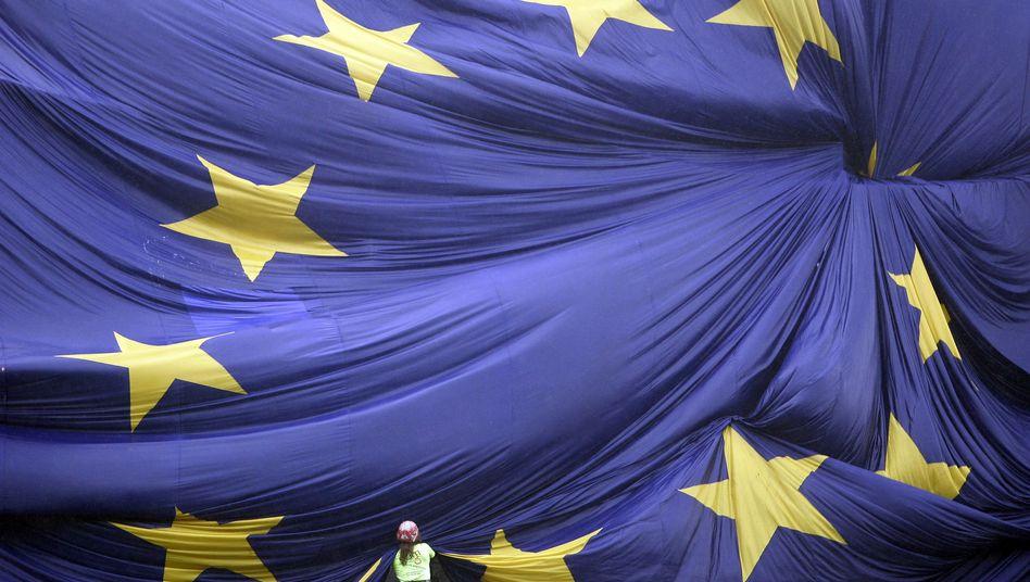 Ein Kontinent rafft sich auf: Europa-Flagge in Barcelona