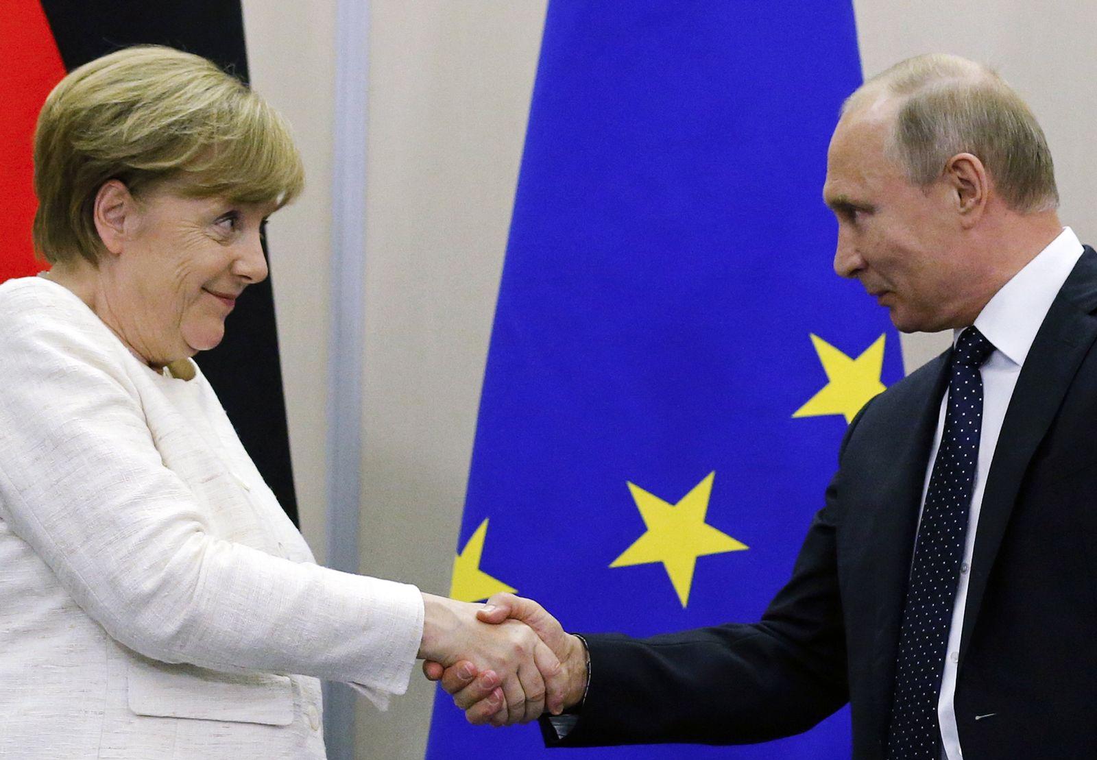 APTOPIX Russia Germany