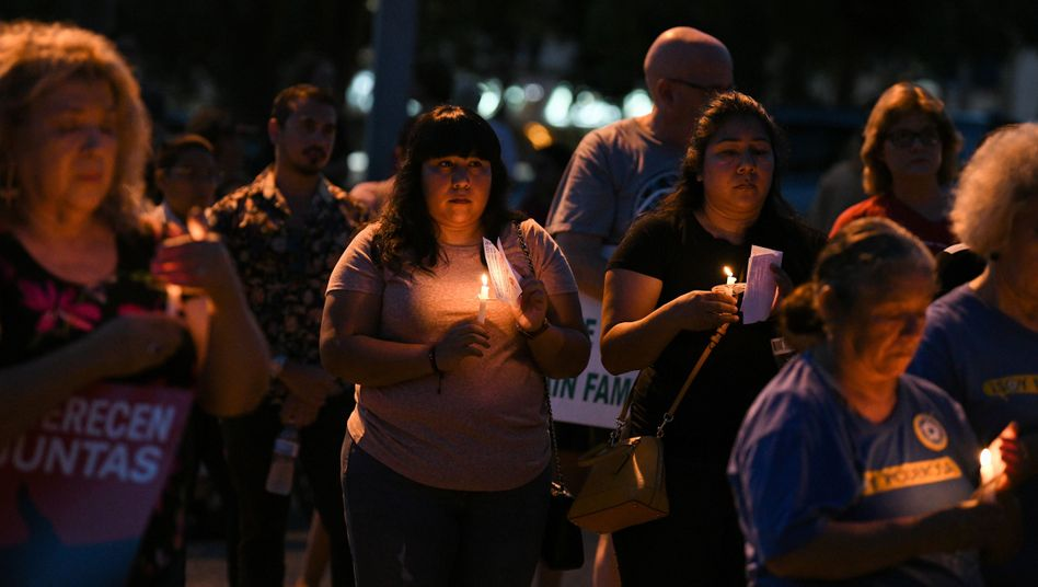 Trauernde in Texas: Weltweites Entsetzen