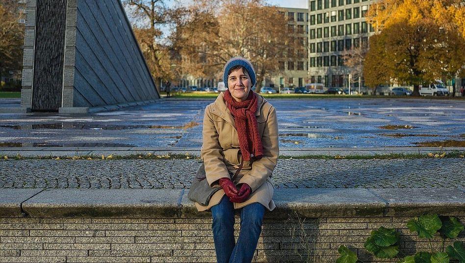 Autorin Stelling im Berliner Invalidenpark:»Ich werde es wieder tun«