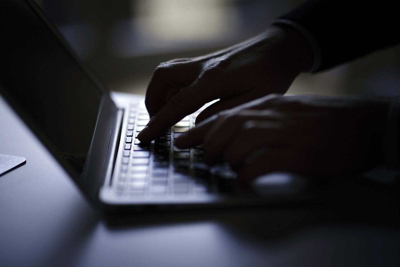 EINMALIGE VERWENDUNG Cyber/ Computer/ Hacker/ Angriff/ Datenklau