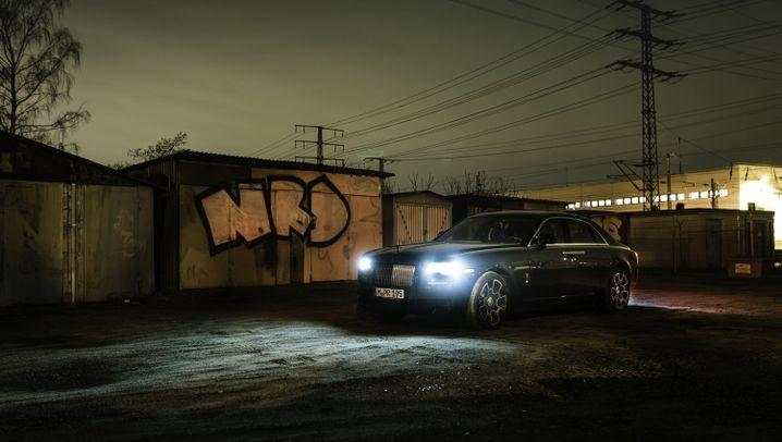 Autogramm Rolls-Royce Ghost Black Badge: Schockdunkel