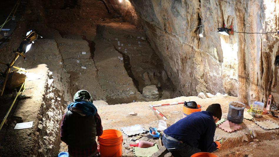 Archäologen arbeiten in einer Höhle im zentralmexikanischen Bundesstaat Zacatacas (Archivbild)