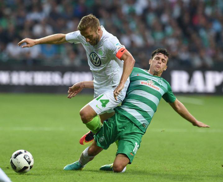 Zlatko Junuzovic (r.) leidet auch unter Werders neuen Trikots