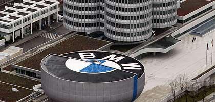 BMW-Zentrale in München: Weitere Fabrikschließungen denkbar