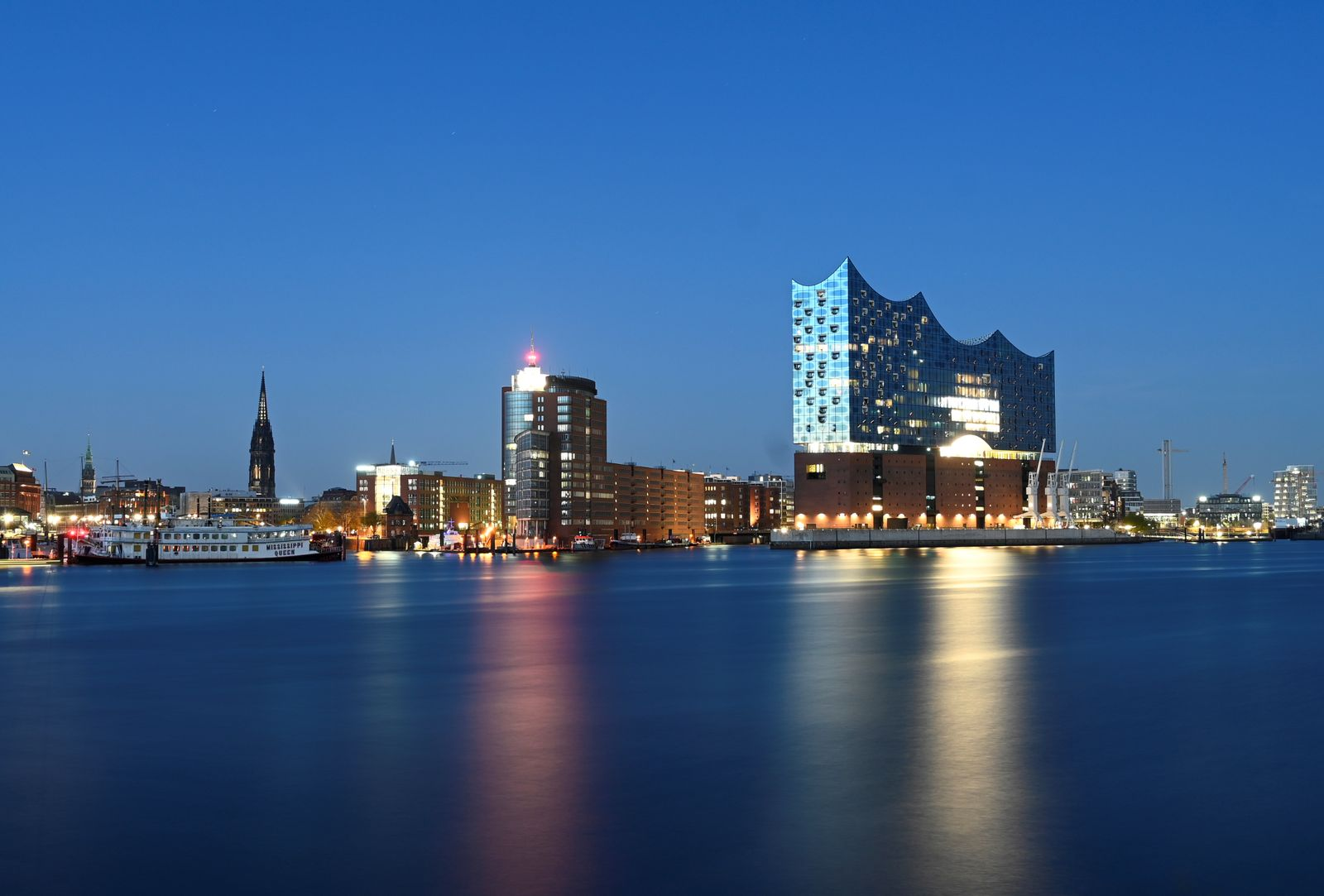 "General view of the ""Philharmonic Hall"" (Elbphilharmonie) in the harbor during the spread of the coronavirus disease (COVID-19) in Hamburg"