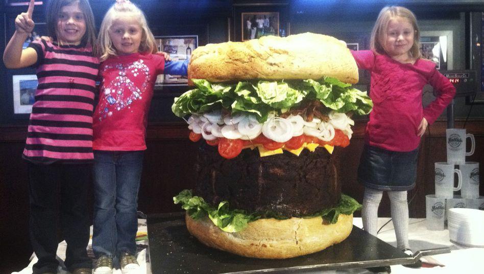 Monster-Burger von Mallie's Sports Grill & Bar: 540.000 Kalorien für 2000 Dollar
