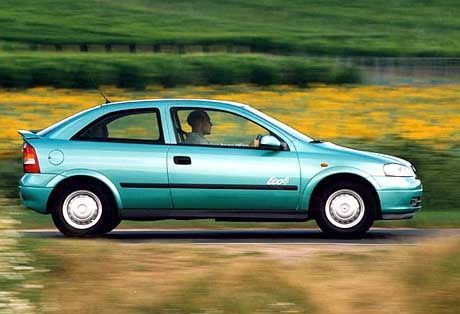 Sparmobil: Laut Opel verbraucht der Astra Eco 4 4,4 Liter auf 100 Kilometern - im Schnitt