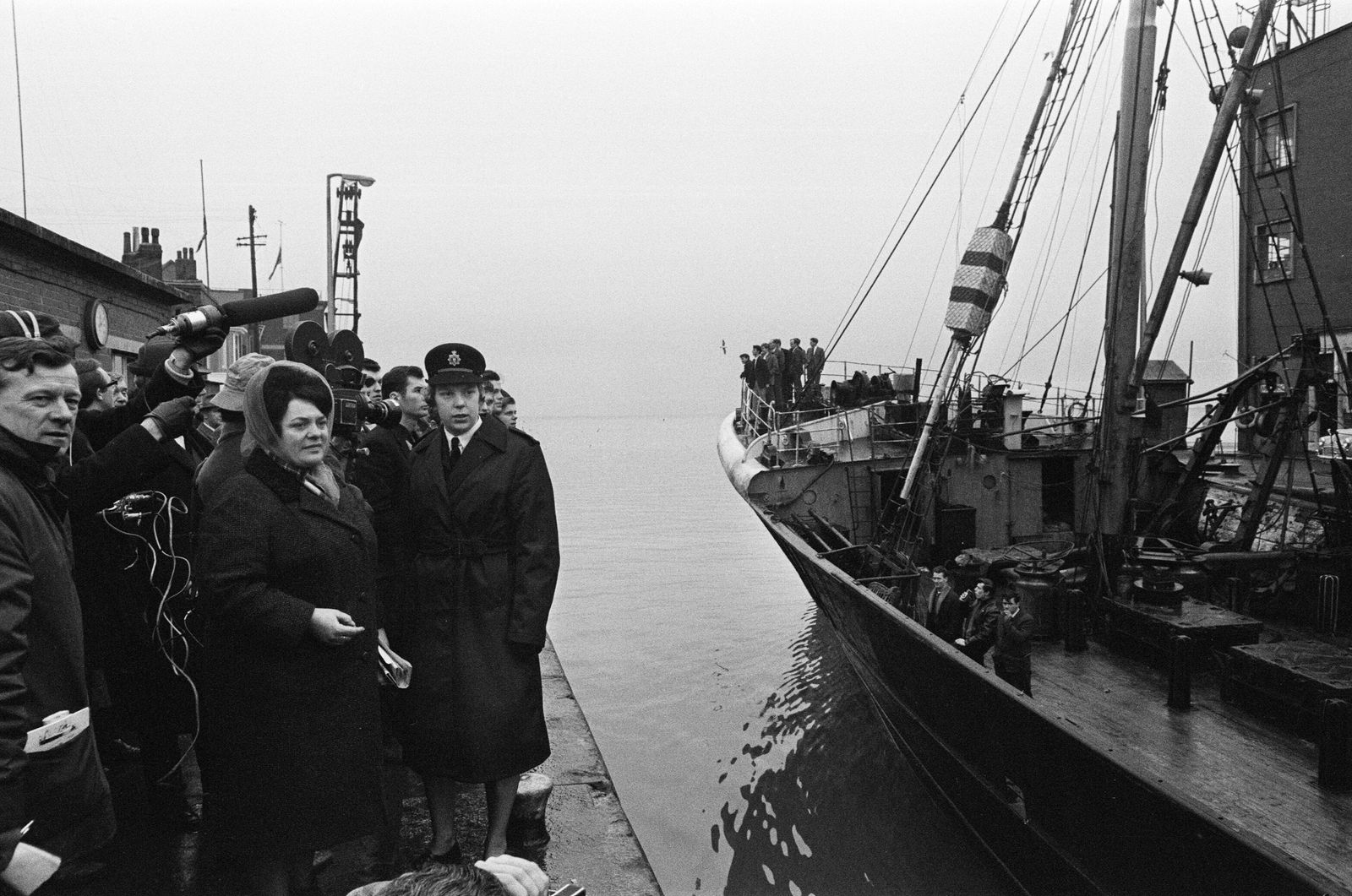 Hull Trawler Wives meeting and service, 1968
