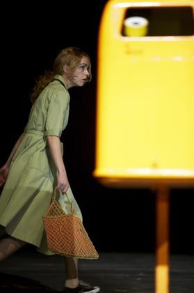 Darstellerin Nina Hoss: Nervöse Beinarbeit