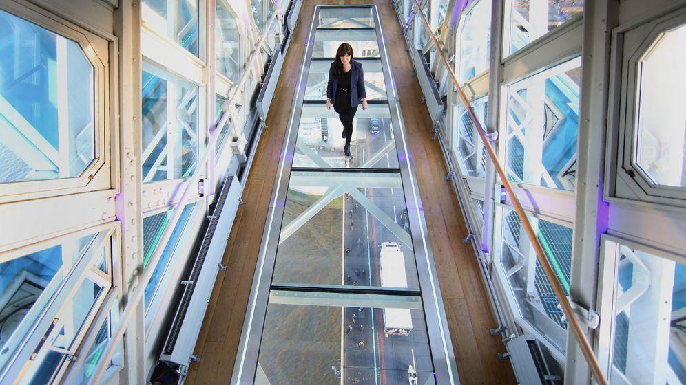 Tower Bridge in London: Vogelperspektive auf Klappbrücke
