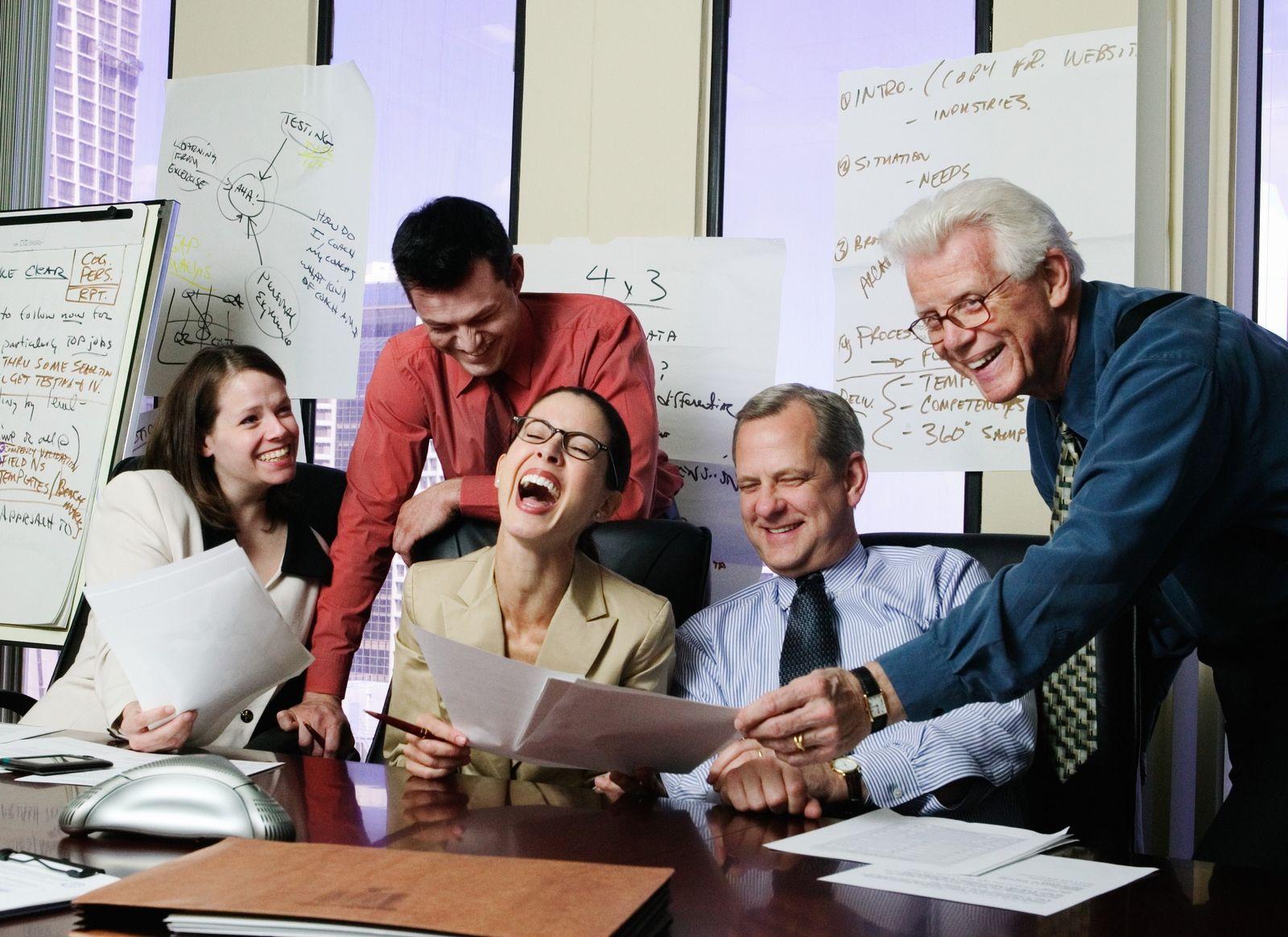 NICHT MEHR VERWENDEN! - EINMALIGE VERWENDUNG KaSP Büro lachen SYMBOLBILD