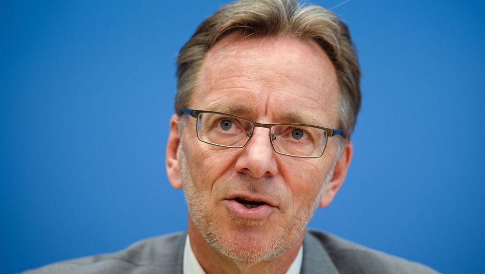 """BKA-Chef Holger Münch: """"Wir müssen stärker gegen Hasskriminalität im Netz vorgehen"""""""