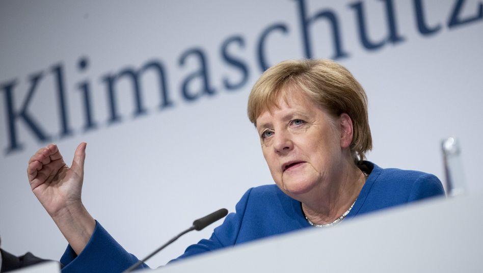 Kanzlerin Merkel: Mit welcher Begründung will die Bundesregierung weiterhin einen überproportionalen CO2-Ausstoß für sich beanspruchen?