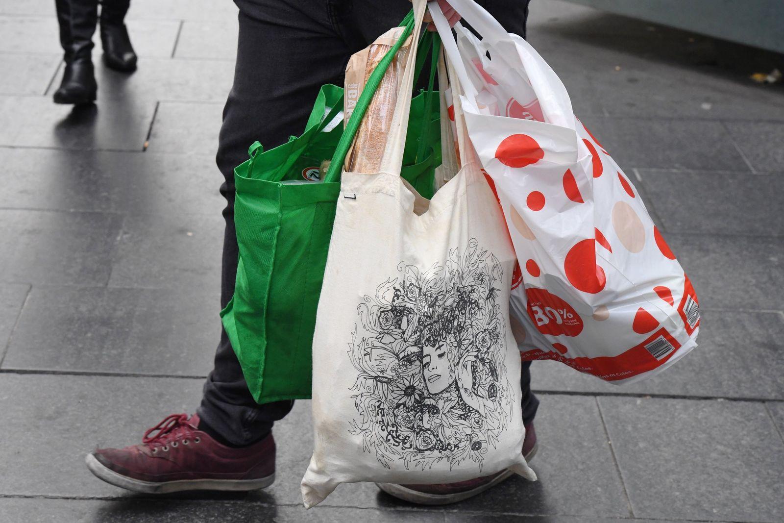 SINGLE USE PLASTIC BAG BAN STOCK