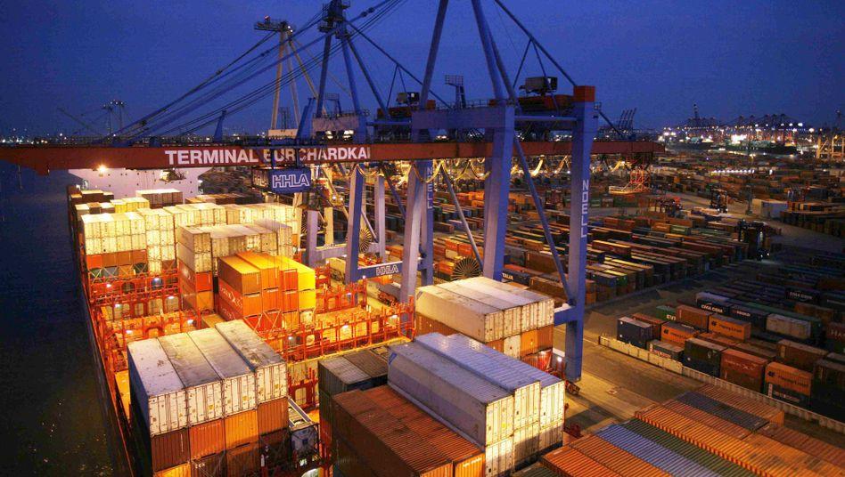 Hamburger Hafen: Steigende Exporte dank sinkendem Ölpreis