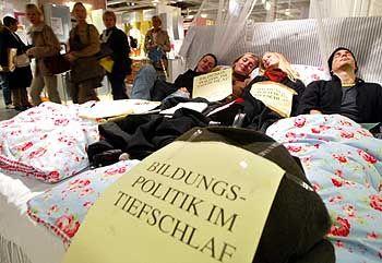 Bettlägrige Demonstranten: Nordisch by Nature