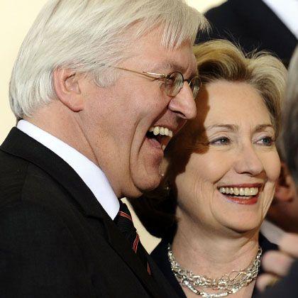 Außenminister Frank-Walter Steinmeier (SPD) und US-Außenministerin Hillary Clinton: Ende des eisigen Schweigens