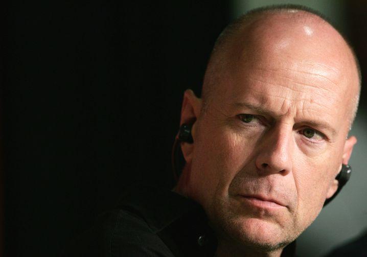 Als Yanis Varoufakis will Bruce Willis ganz besonders ernst gucken.