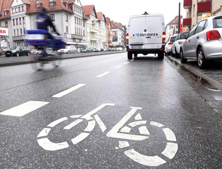 """Lieferwagen in Hannover: """"Falsch geparkte Fahrzeuge gefährden Menschenleben"""""""