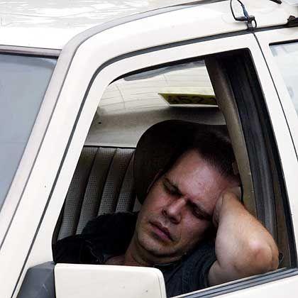 Dösender Taxifahrer: Faulenzen wird belastend empfunden
