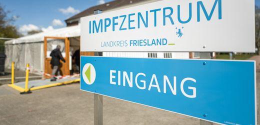 Corona-Impfung: Kühlkette unterbrochen: Landkreis Friesland verabreicht spontan 600 Impfdosen...