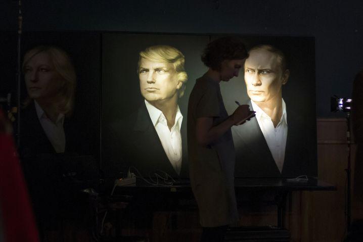 Porträts von Trump, Putin