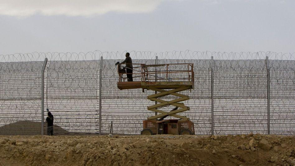Am Übergangzu Israel: Schwerer Anschlag auf ägyptische Grenzschützer