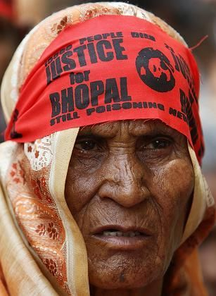 A Bhopal survivor at a May 13 protest in New Delhi.
