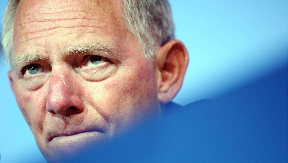 Bundesinnenminister Schäuble: Sein Ministerium soll die Bündelung der Aufgaben von Polizei und Verfassungsschutz planen