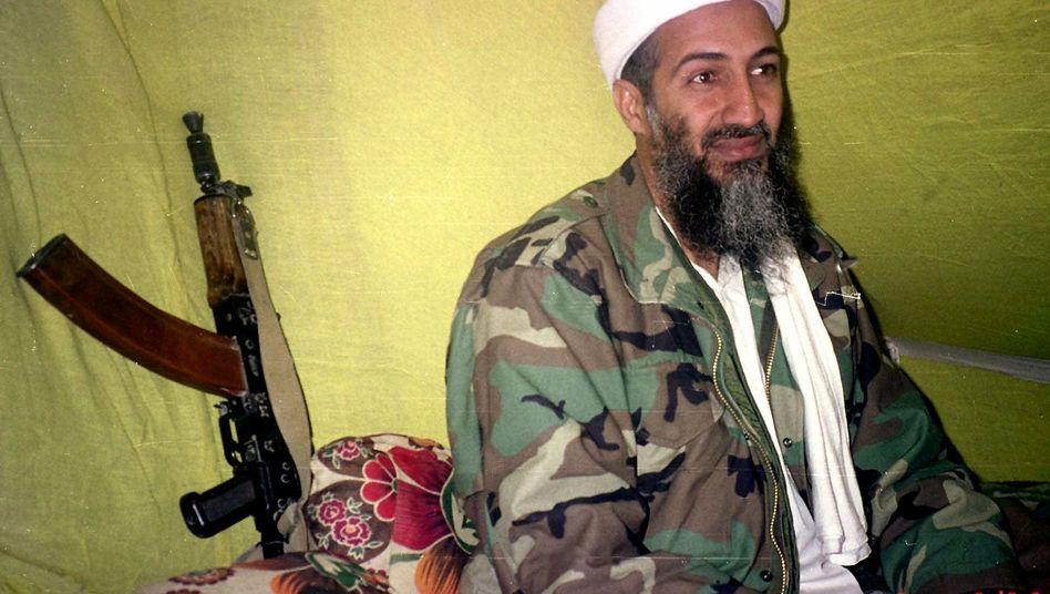 """Osama Bin Laden (Archivfoto, 1998): """"In Reichweite für einen Zugriff"""""""