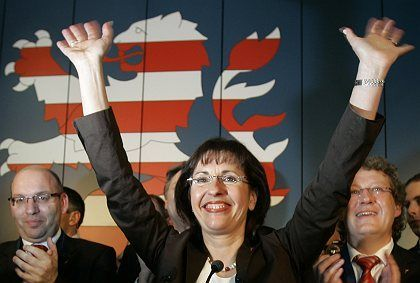 Social Democrat Andrea Ypsilanti defeated conservative Christian Democrat Roland Koch in Hesse state elections on Sunday. It's still unclear, however, whether her party can find a majority to create a government.
