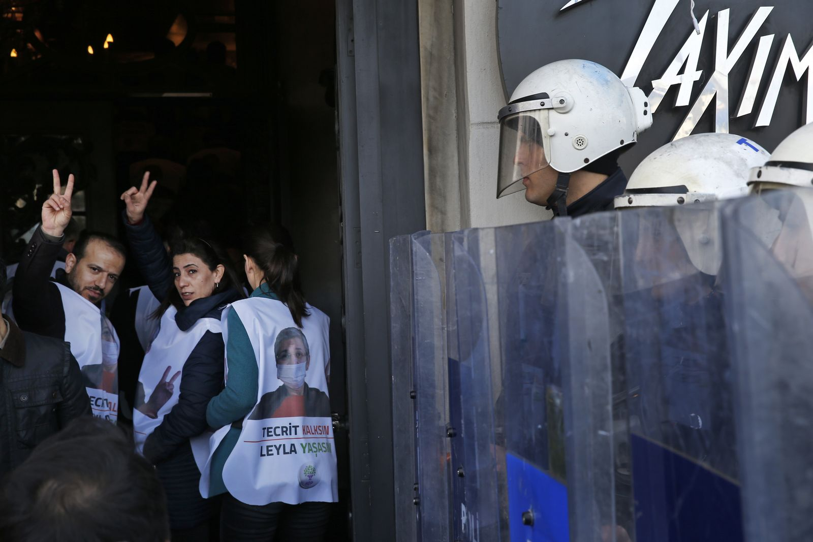 Türkische Polizei/ HDP-Anhänger Protest