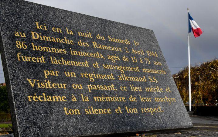 Gedenktafel: Erinnerung an das Massaker in Ascq
